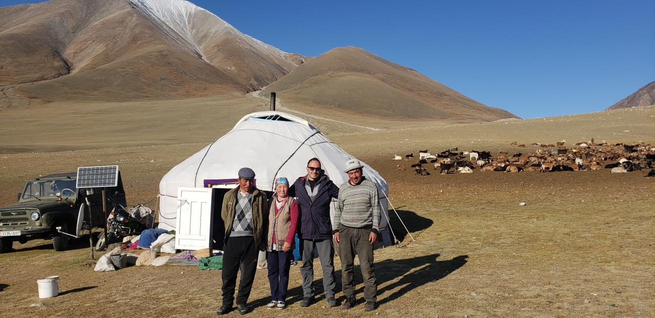 Studying People-Predator Interactions & Testing Foxlights in Mongolia